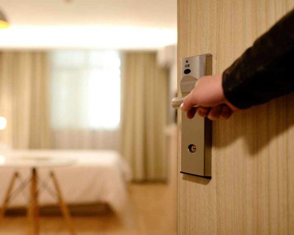 estudiar máster en gobernante de hotel + curso experto en servicio de piso