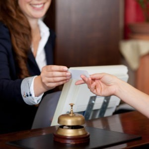 estudiar recepcionista de hotel